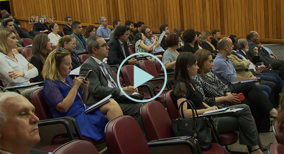 Novas regras vão facilitar a validação de diplomas estrangeiros